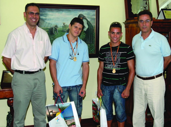 The young men were honoured by the Arona Mayor