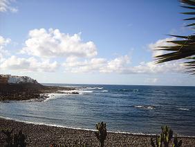 Eine geschützte Bucht, die allerdings nur einen Steinstrand aufweisen kann