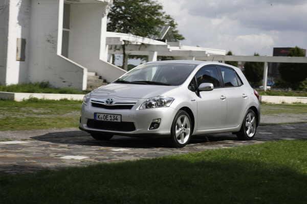 Im Herbst startet Toyotas Auris Hybrid am Markt