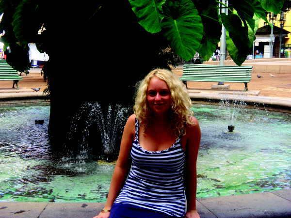 Jo Susann ist eine junge Weltenbummlerin mit ehrgeizigen Ambitionen und einem offenen Geist für die Schönheiten dieser Welt.