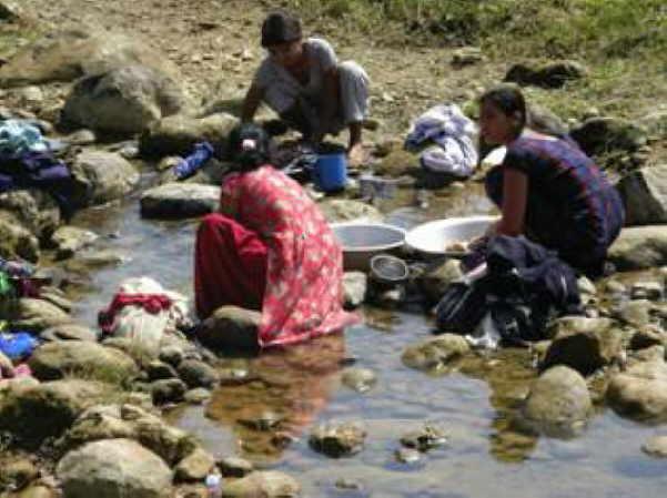 Ein hartes Leben zeichnet die arme Landbevölkerung Nepals. Dank der kanarischen Solidarität hat sich einiges gewandelt.