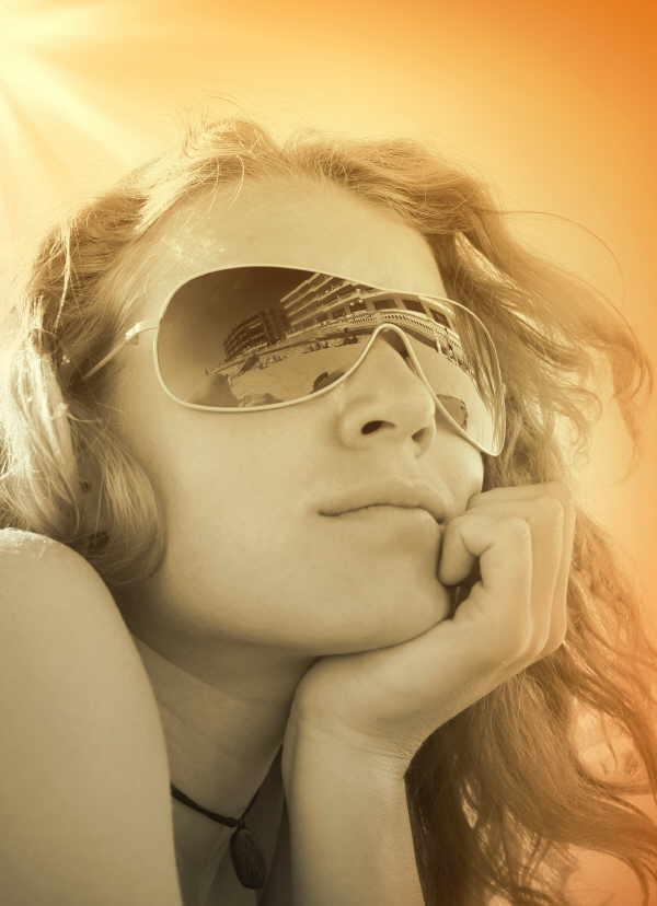 Unser Haar ist heute vielen Strapazen ausgesetzt. Sonne gehört dazu. Genau deshalb ist richtige Pflege so wichtig