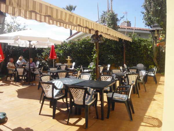 Das gemütliche Ambiente der Tasca de Jorge steht an diesem Tag allen offen, deren Budget normalerweise nicht für einen Restaurantbesuch reicht.