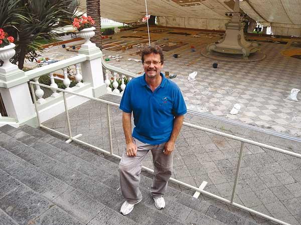 Domingo Jorge González Expósito ist seit 20 Jahren der künstlerischer Direktor der Teppichkünstler und noch mit dem gleichen Enthusiasmus bei der Sache.