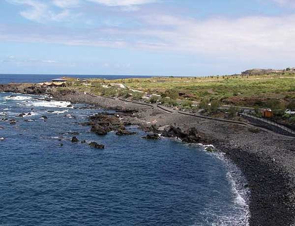 Normalerweise müsste zu dieser Jahreszeit schon Sand am Playa de las Arenas in Buenavista del Norte sein. In diesem Jahr lässt er aber noch auf sich warten.