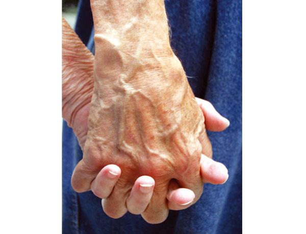 Die Hände verraten das Alter eines Menschen am Schnellsten, Deshalb gibt es heute auch viele Handcremes mit hochwertigen Anti-Aging-Wirkstoffen