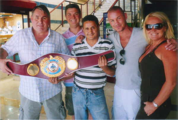 Nicky and some of the Tenerife stall holders with his 'belt'