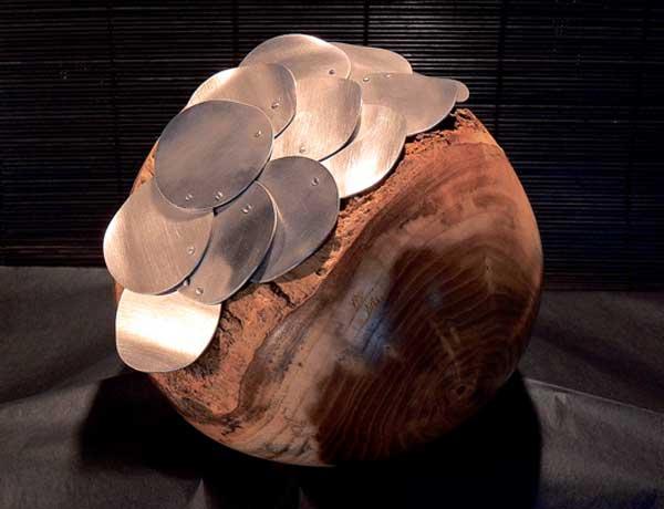 Eine Gemeinschaftsarbeit aus Holz und Metall, das mit ihrem Kollegen Rafael entstanden ist.