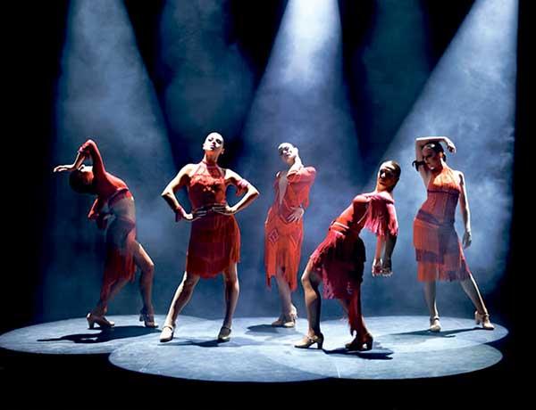 Klassisches, spanisches Tanztemperament modern verpackt.