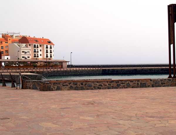 Im Puertito, also im kleinen Hafen, lassen sich große Runden schwimmen.