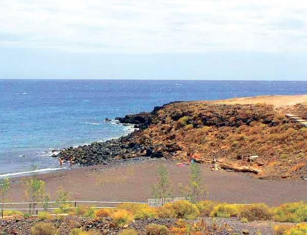 Nicht steinlos und trotzdem lustvoll – die Küste bei Arico.