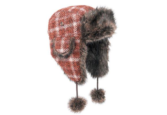 Sportlich und rustikal: Tweed-Mütze im Trapper-Stil. Von Marks & Spencer