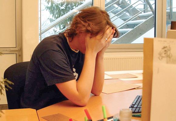 Burn-out zeigt sich vielfach dadurch, dass der Betroffene ständig müde ist.