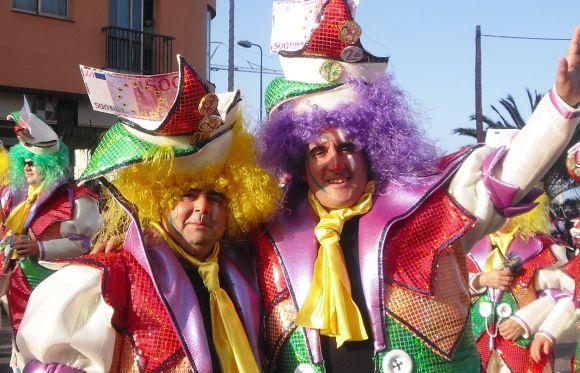 Multi-Kulti-Karneval bei Tasca Tapas y Cañas