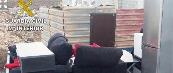 Möbel für die illegal besetzte Wohnung.