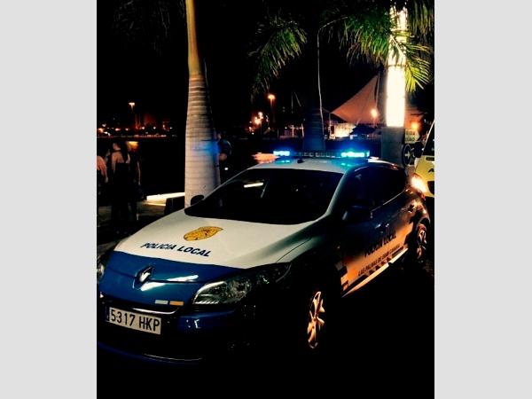 Lokalpolizisten aus Las Palmas wurden von dem alkoholisierten Autofahrer verletzt.