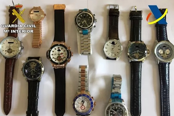 Diese Uhren wurden als Markenware verkauft. Marktwert 850.000 Euro.