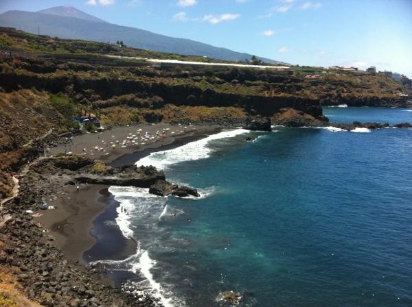 Wenn der Meerespegel alle zehn Jahre um fünf bis zehn Zentimeter steigt, werden Strände, wie hier die Playa de Bollullo in La Orotava, immer kleiner.