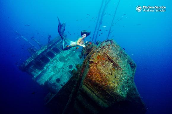 So sieht der verborgene, harte Arbeitsalltag eines Unterwassermodells aus.