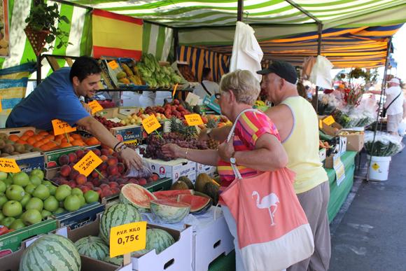 Frisches Obst und Gemüse für die kanarische Küche.