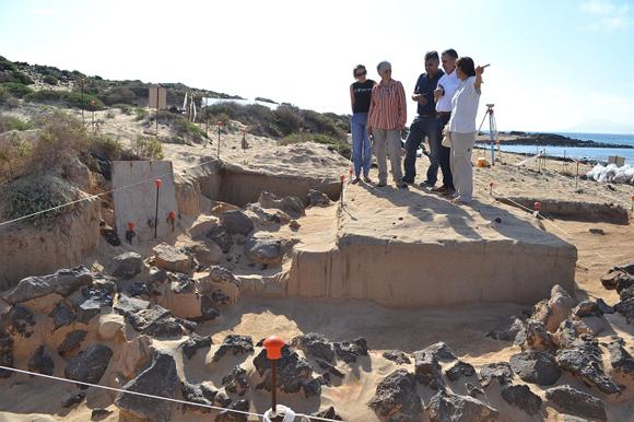 Fuerteventuras Inselpräsident besuchte die Ausgrabungen auf der Isla Lobos.
