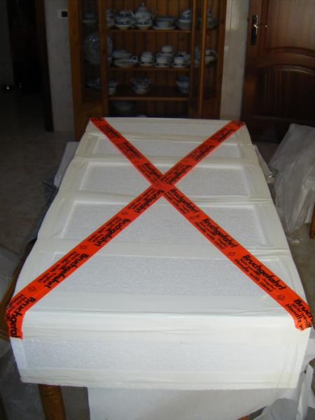 MobilTrans Removals Paintings in the box